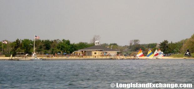 Amityville Yacht Club