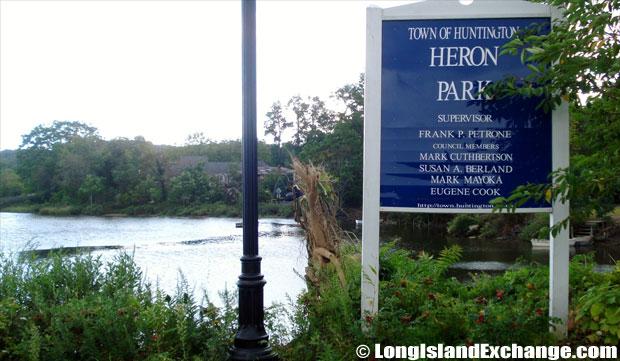 Centerport Heron Park