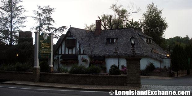 Centerport Thatched Cottage