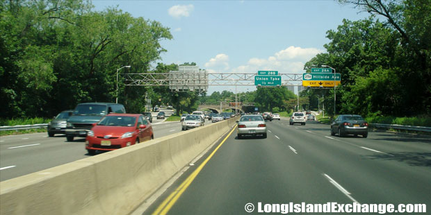 Cross Island Parkway Northbound at Hillside Avenue Exit, Floral Park