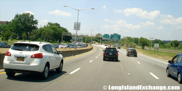 Cross Island Parkway Northbound at Throgs Neck Bridge, Clearview