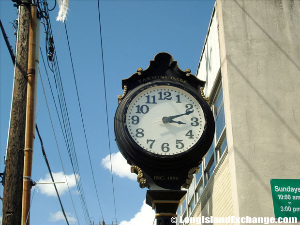 Farmingdale Clock