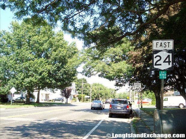 Hempstead Turnpike Eastbound towards Melville Road, Farmingdale