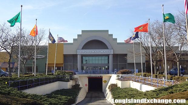 Broadwall Mall Hicksville