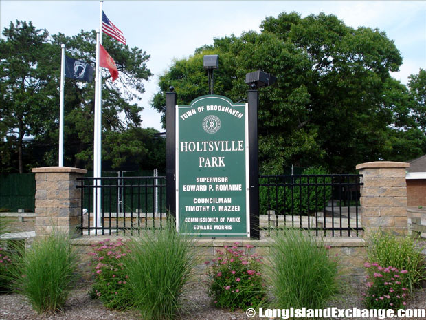 Holtsville Park triple pool complex; Exercise-trail fitness course; Nature preserve and ecology center.