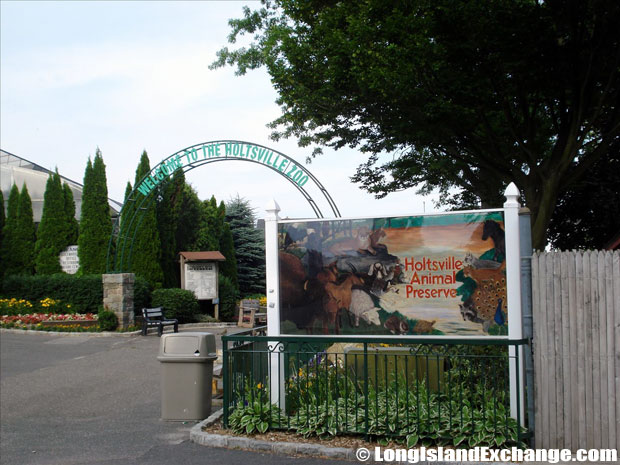 Holtsville Preserve and Zoo