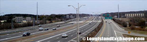 Long Island Expressway looking West from Sagtikos Parkway Bridge