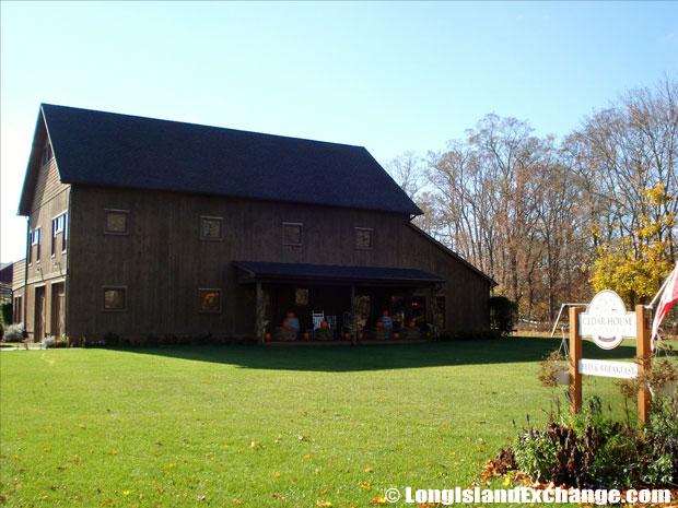 Mattituck Cedar House B&B