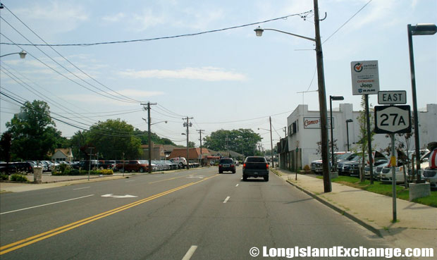 Montauk Highway Eastbound towards Great Neck Road, Copiague