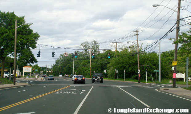 Montauk Highway Eastbound approaching Great East Neck Road Intersection, West Babylon
