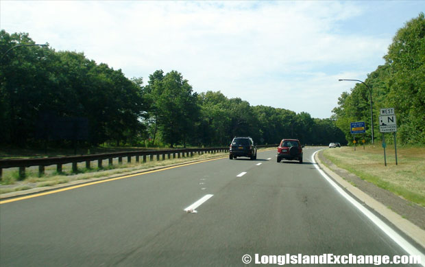Northern State Parkway Westbound from Round Swamp Road, Melville