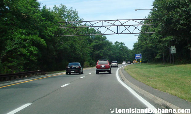 Northern State Parkway Westbound from Sunken Meadow Parkway, Commack