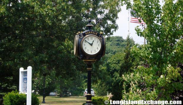 Oakdale Clock