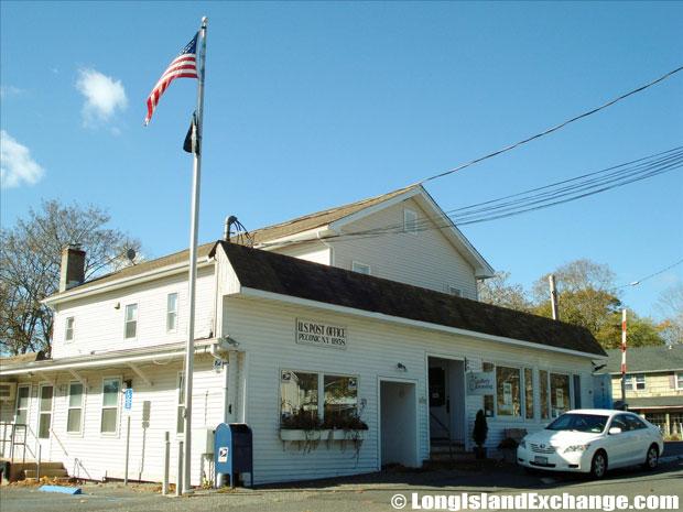 Peconic Post Office