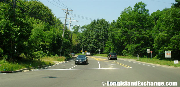 Route 25A Westbound from Bread & Cheese Hollow Road, Northport