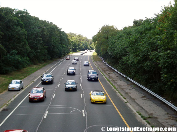 Southern State Parkway traffic looking West from Carmans Road Bridge, South Farmingdale