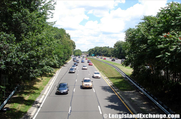 Southern State Parkway Westbound traffic looking East from Carmans Road Bridge, South Farmingdale
