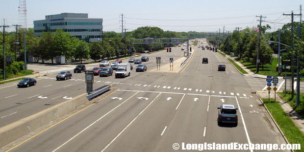 Veterans Memorial Highway looking Eastbound from Long Island Expressway, Islandia