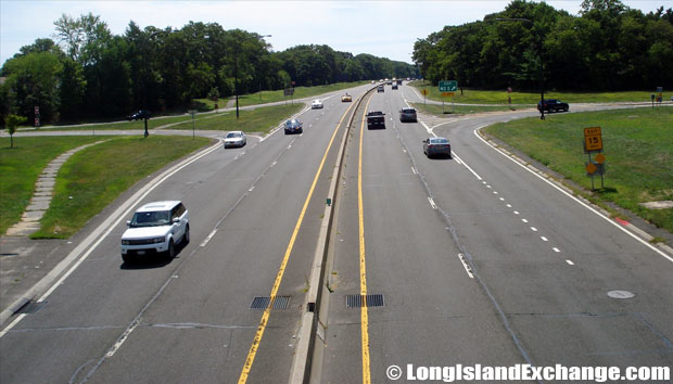 Wantagh State Parkway Southbound from Old Country Road, Hicksville