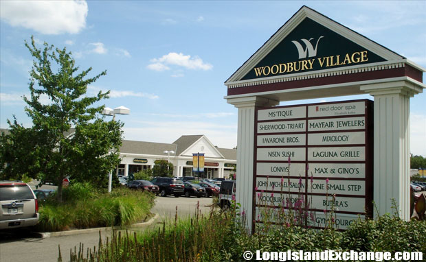 Woodbury Village Plaza