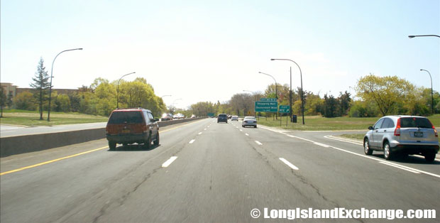 Meadowbrook State Parkway Southbound North of Zeckendorf Blvd.