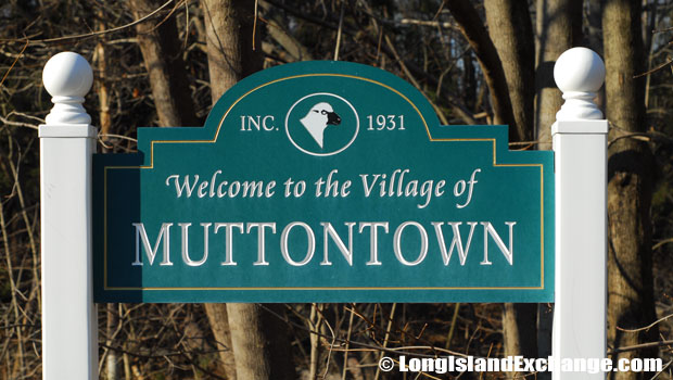 Muttontown Village Sign