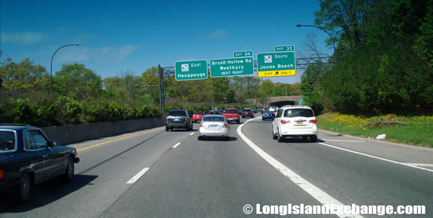 Northern State Parkway Eastbound West of Wantagh Parkway