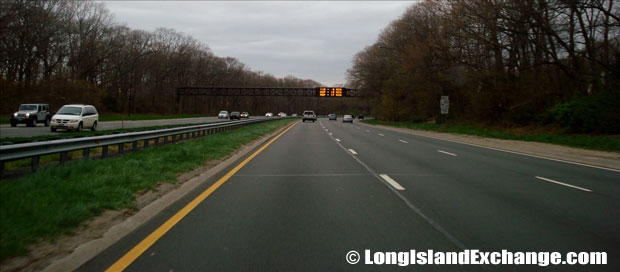 Southern State Parkway heading west away from Robert Moses Causeway.