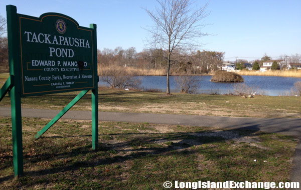 Tackapausha Pond