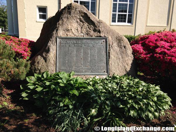 Hicksville World War Memorial