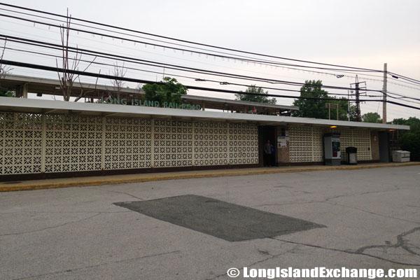 Bellerose LIRR Station