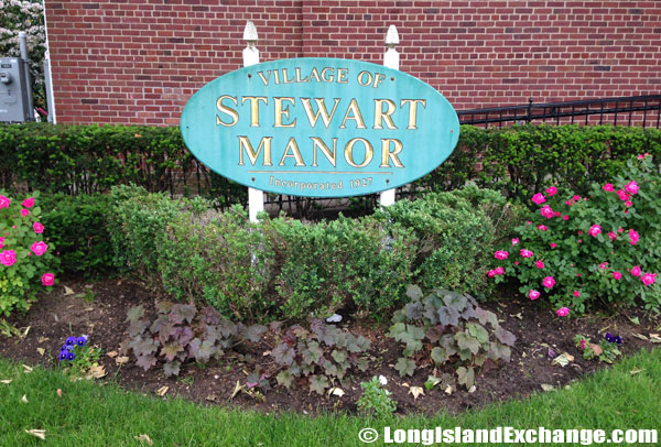 Stewart Manor Village Sign