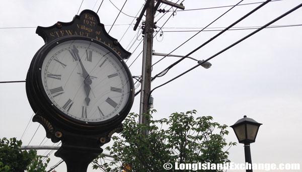 Stewart Manor Old Clock