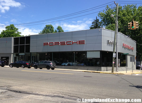 Porsche of Roslyn in Roslyn Heights, NY