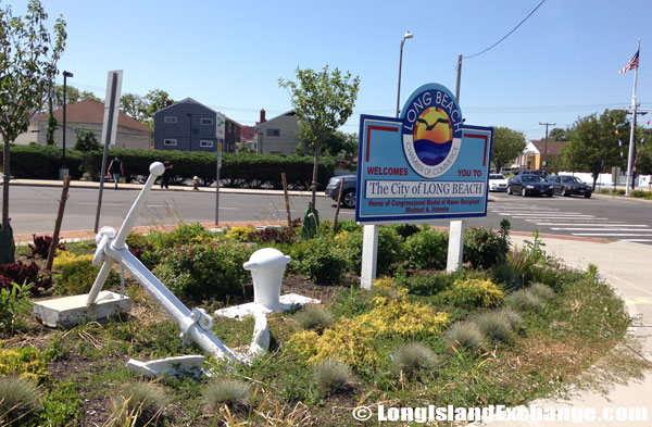 Long Beach Welcome Sign