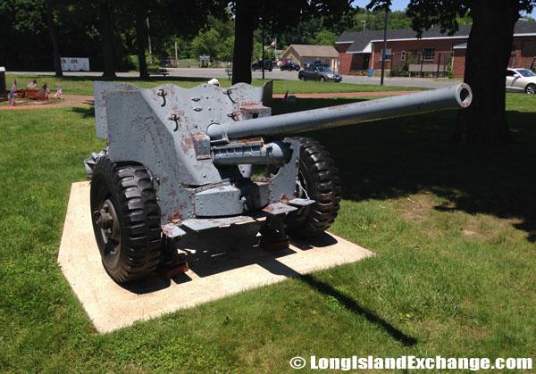 Glen Head Old War Cannon