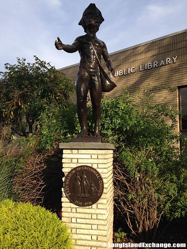 Bicentennial Committee Statue