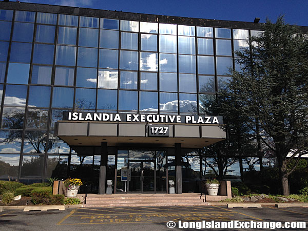Islandia Executive Plaza