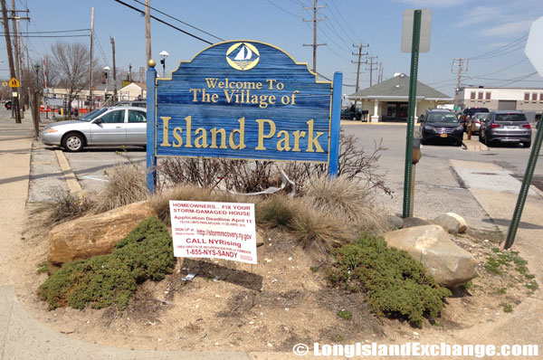Island Park Village Sign