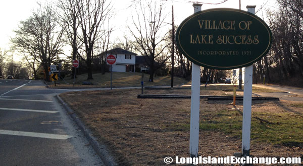 Lake Success Welcome Sign
