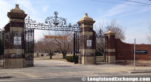 Knolls Memorial Cemetery