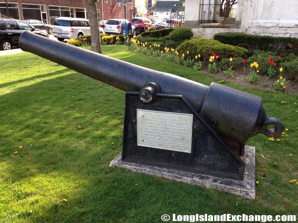 Memorial War Cannon