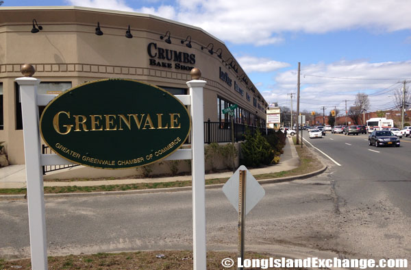 Greenvale Welcome Sign