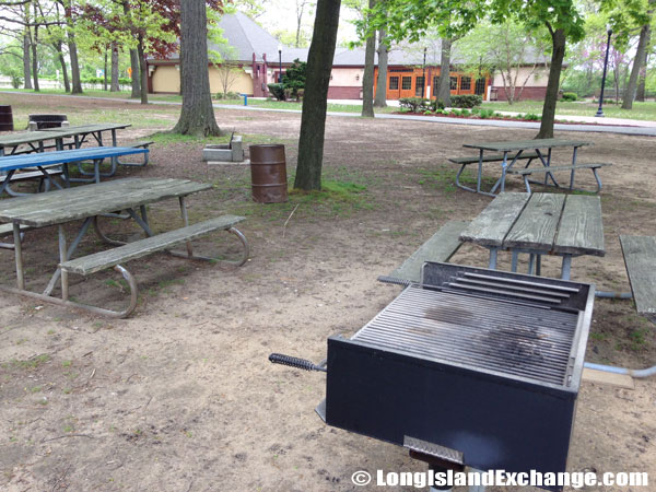 Standing Grills and Tables