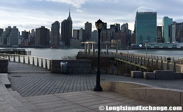 Gantry Plaza Manhattan Skyline