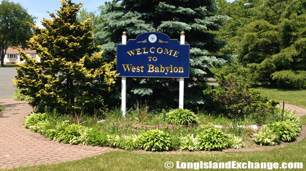 West Babylon Welcome Sign