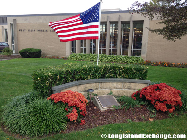 West Islip Public Library