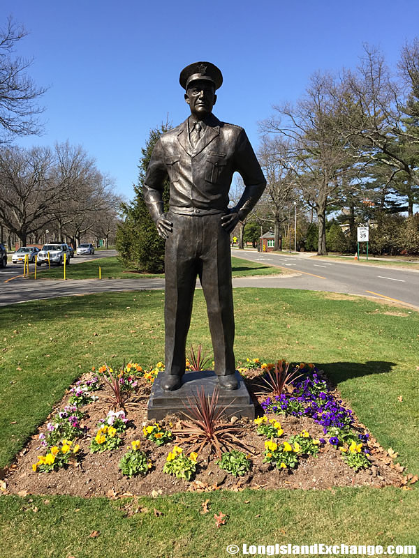Statue of Dwight D. Eisenhower