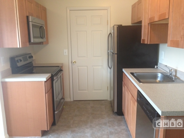 2 bedroom apartment in holtsville for 3 bedroom apartments long island